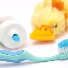 Дитячі зубні пасти, ополіскувачі для рота, зубні щітки