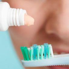 Зубна паста, ополіскувачі для рота, зубні щітки